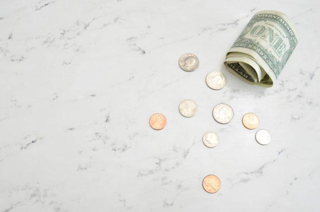【家計で見直すべきポイントは変動費の8項目|毎月の赤字を黒字にする節約方法】