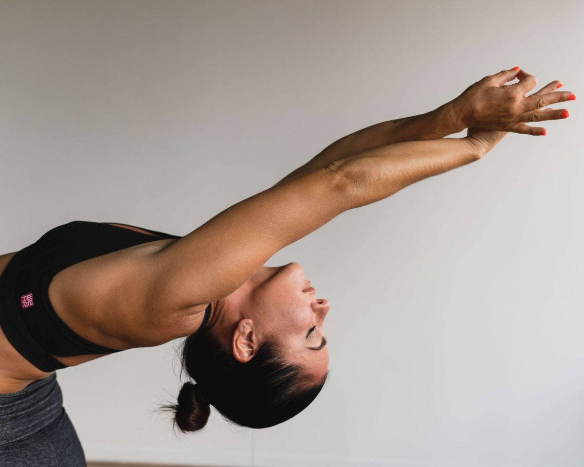 【ダイエットに効果があるトレーニングは「逆立ち」】