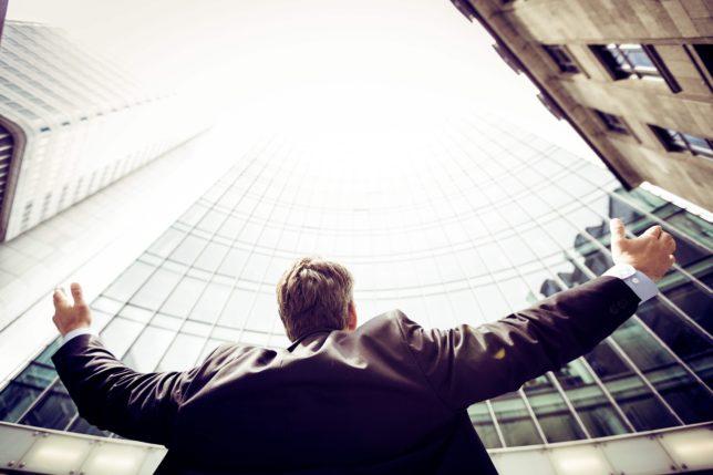 【本業と副業どっちを頑張るべき? 】