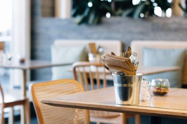 【カフェ・飲食店オーナーが使うべき8つの無料ネット集客方法】